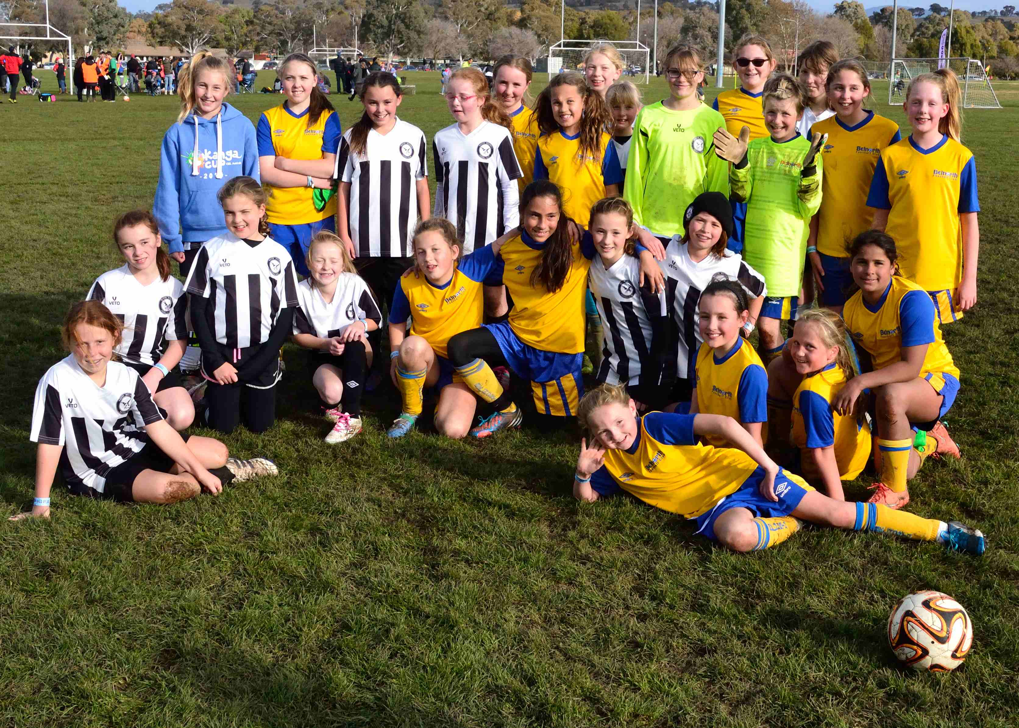 U11 girls and weston creek molonglo currawongs